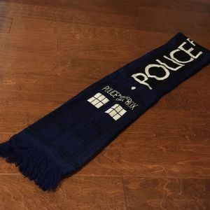 Reversible Doctor Who scarf